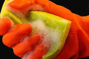 細菌の温床?台所スポンジをきれいに保つ方法