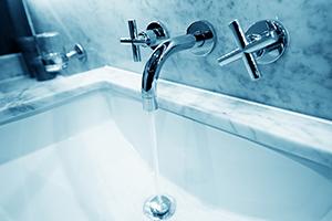 突然の停電時にも効果的! 夏の猛暑を水風呂で乗り切る際の健康効果
