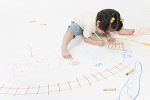 素材で違う! 子どもの落書きをキレイにするコツと対策方法