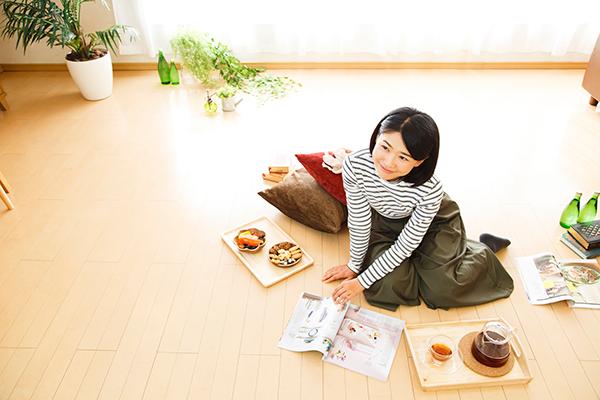 寒い冬でも部屋はポカポカ「床暖房」を賢く使う節約術